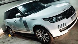 Rent Range Rover Vogue in White Color in Dubai